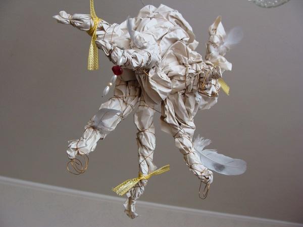Kreativní cvičení mačkání papíru