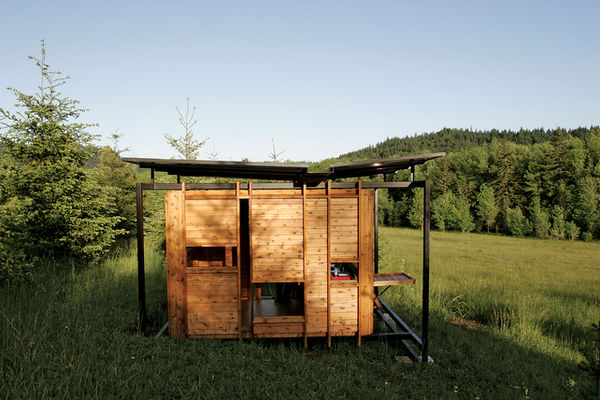 Mobilní pracovna z cedrového dřeva