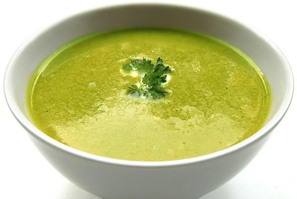 Kopřivová polévka pro zdraví.