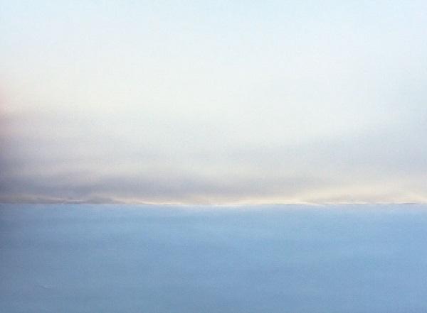 Focení osvětleného papíru vytvoří iluzi přírodní scenérie.