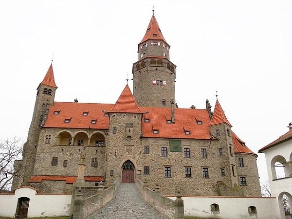 Vánoční prohlídka pohádkového hradu Bouzov.