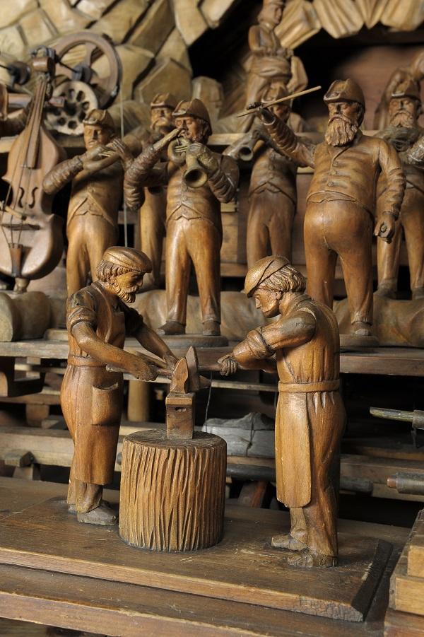 Třebechovický tzv. Proboštův betlém je starý přes 100 let, je vyrobený kompletně ze dřeva.